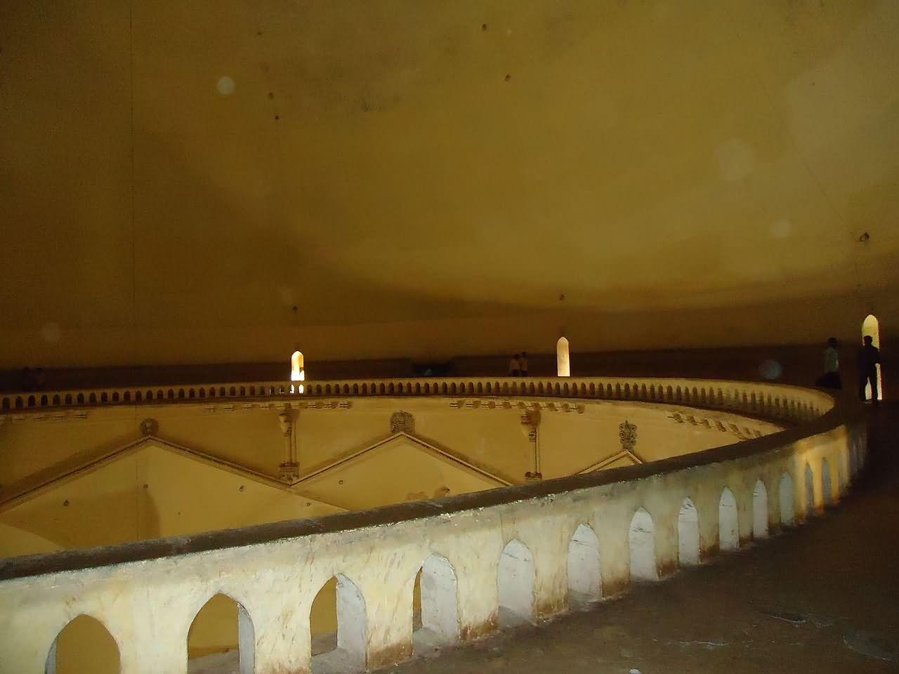 2045-a-view-of-whispering-gallery-gol-gumbaz-bijapur-karnataka-india